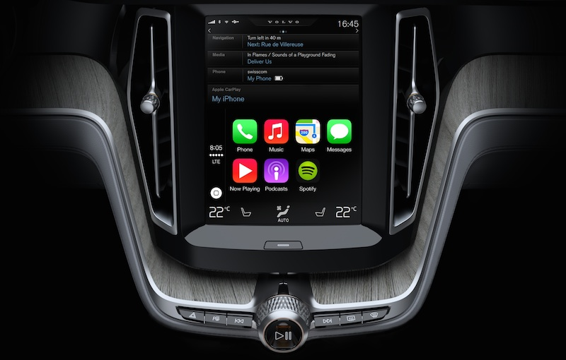 First draft of Apple's CarPlay looks like it has serious potential.
